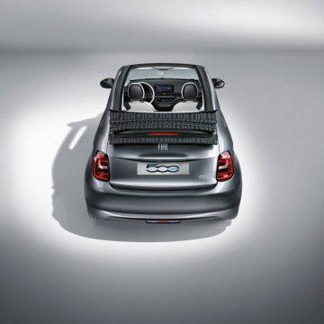 Neuvorstellung: Fiat 500 | Rückansicht mit geöffnetem Dach