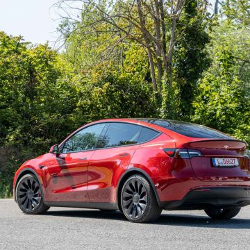 Tesla Model Y Performance   Heckansicht